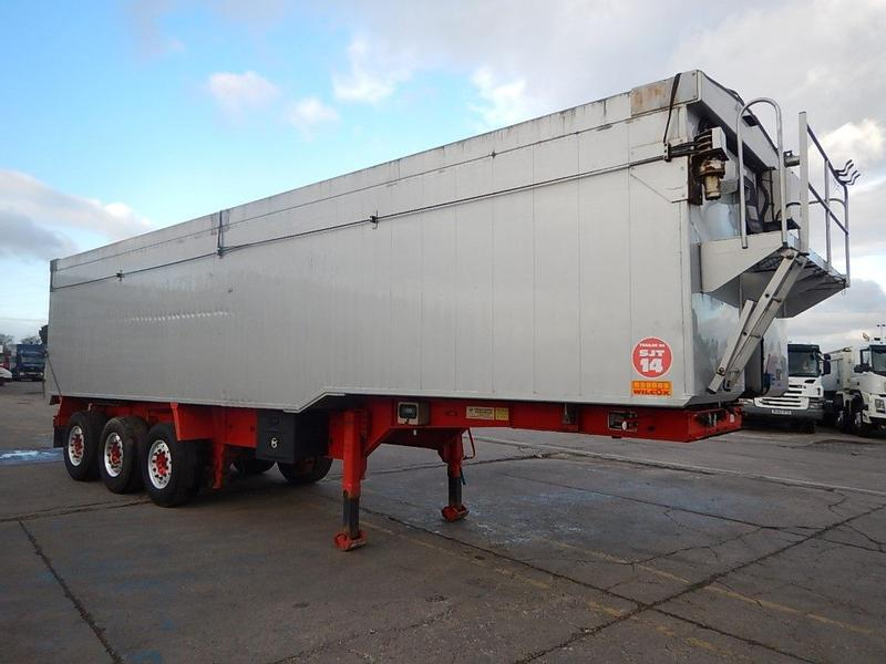 WILCOX 66 CU YD PLANK SIDED BULK TIPPING TRAILER - 2010 - C298618