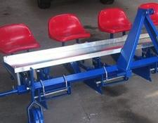 Taret Pflanzmaschinen/ Seedling planter 4-rows