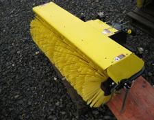 John Deere QuickHitch Broom 52